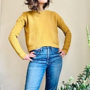 Madewell Yellow ochre boxy sweater with pockets!